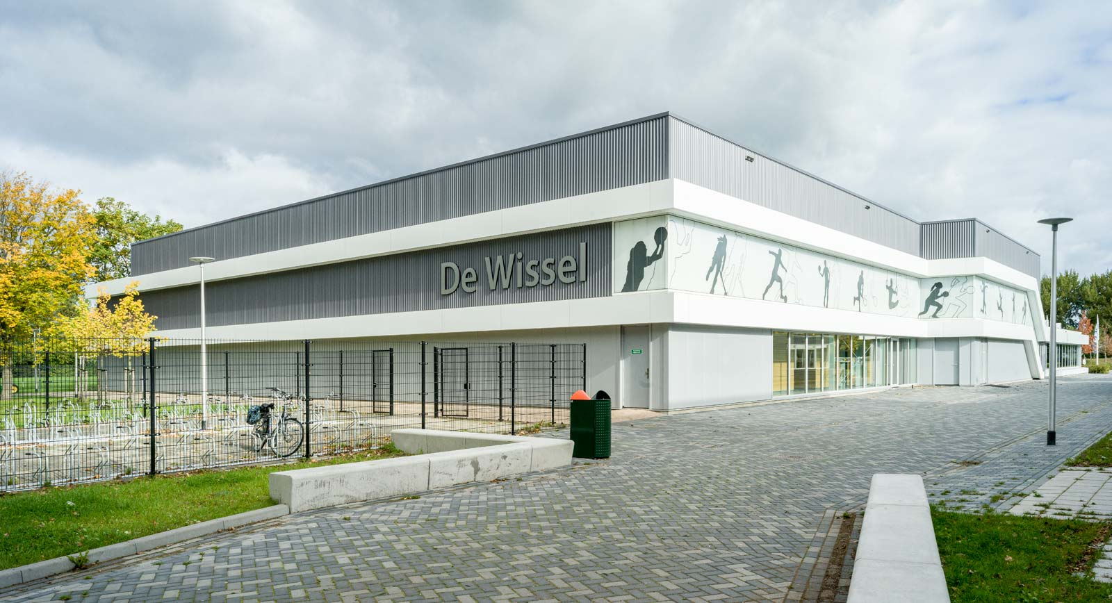 Energieneutrale Sporthal De Wissel Ridderkerk door Martinu voorzien van complete elektrische installatie